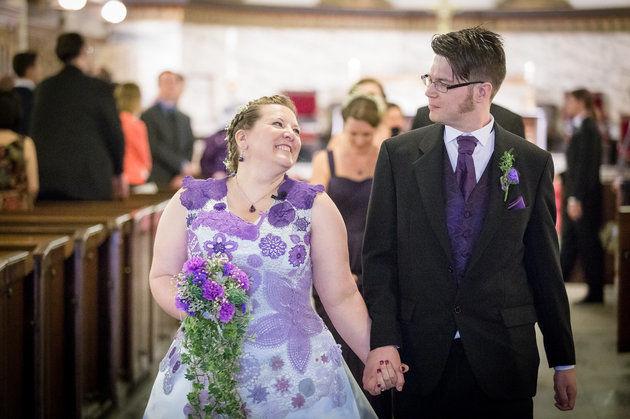 ชุดแต่งงานโครเชต์แสนหวาน จากฝีมือเจ้าสาวและเพื่อน ๆ