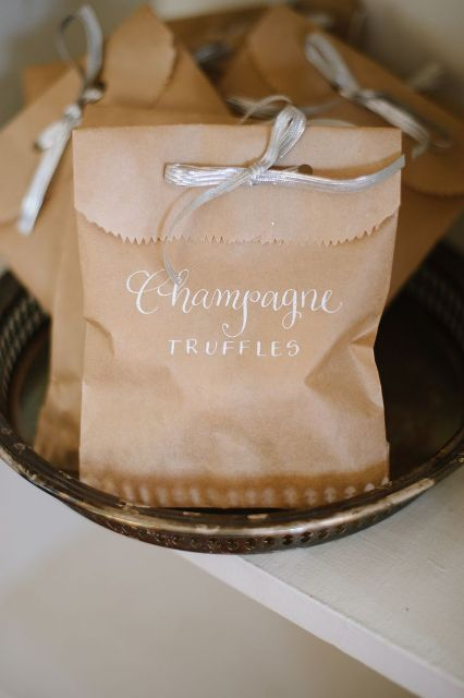 24-Ways-To-Use-Kraft-Paper-In-Your-Wedding7