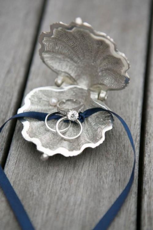 25-enchanting-winter-wedding-ideas-in-grey-shades-11-500x750