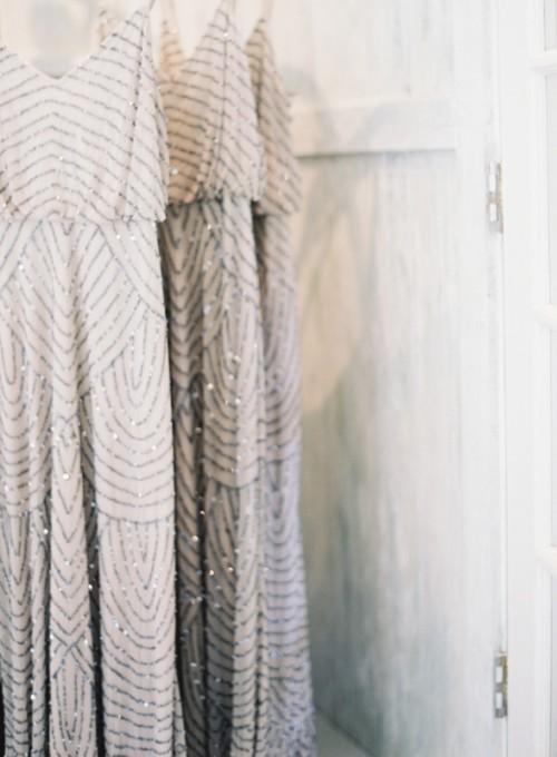 25-enchanting-winter-wedding-ideas-in-grey-shades-19-500x680