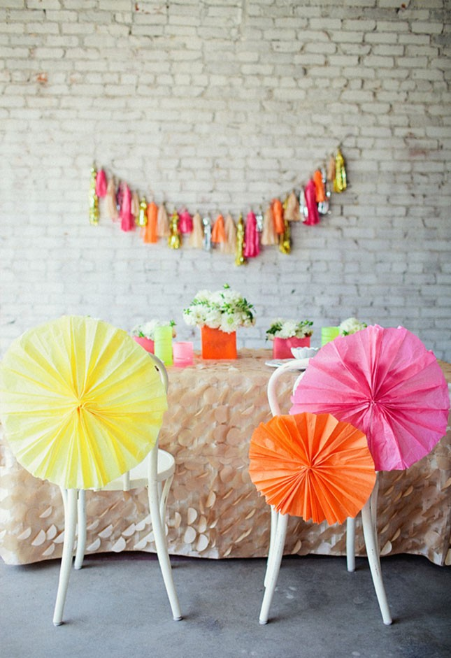 10-spring-bridal-shower-tissue-paper-decor-645x941