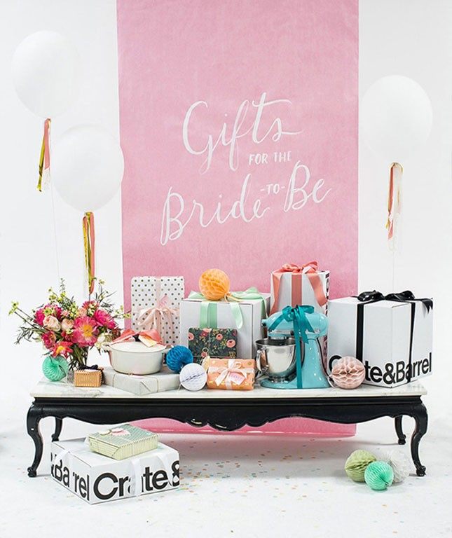 13-spring-bridal-shower-gift-station-645x768