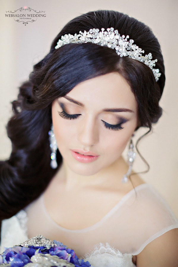 crystal-bridal-headbands-for-long-wedding-hairstyles