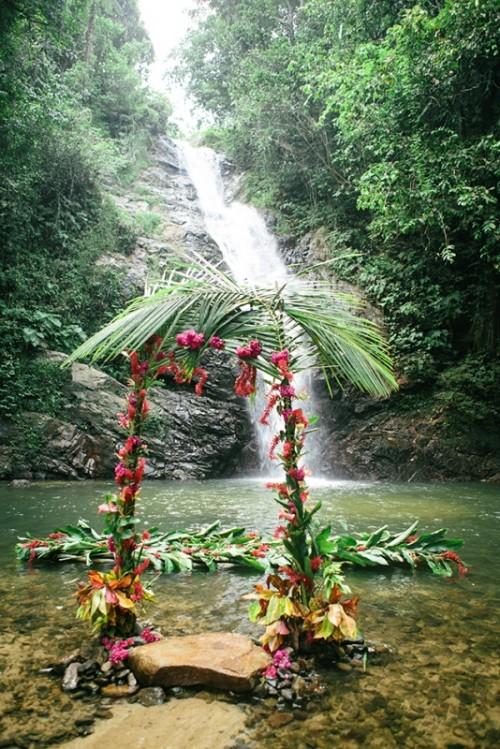 34-awesome-tropical-wedding-ceremony-ideas-16-500x749