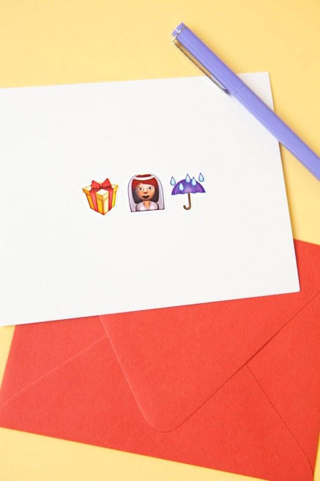 DIY-Emoji-Wedding-Cards_0007