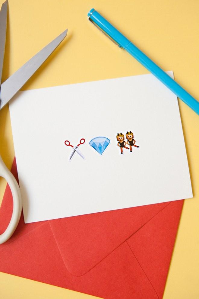 DIY-Emoji-Wedding-Cards_0008