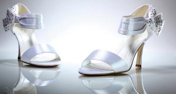 รองเท้าเจ้าสาว ขาวหรูราวกับเจ้าหญิง