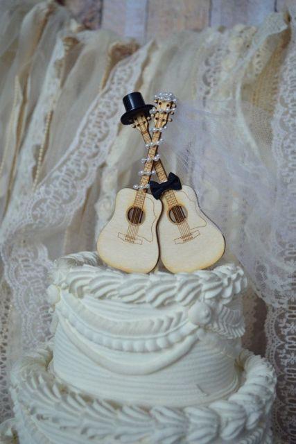 22-Funny-Wedding-Guitar-Décor-Ideas17