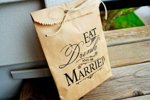 24-Ways-To-Use-Kraft-Paper-In-Your-Wedding12-500x333