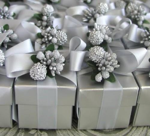 25-enchanting-winter-wedding-ideas-in-grey-shades-10-500x454