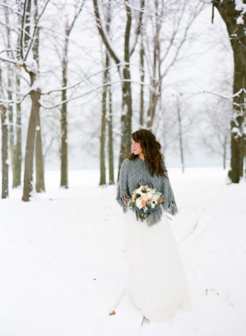 25-enchanting-winter-wedding-ideas-in-grey-shades-21-500x682