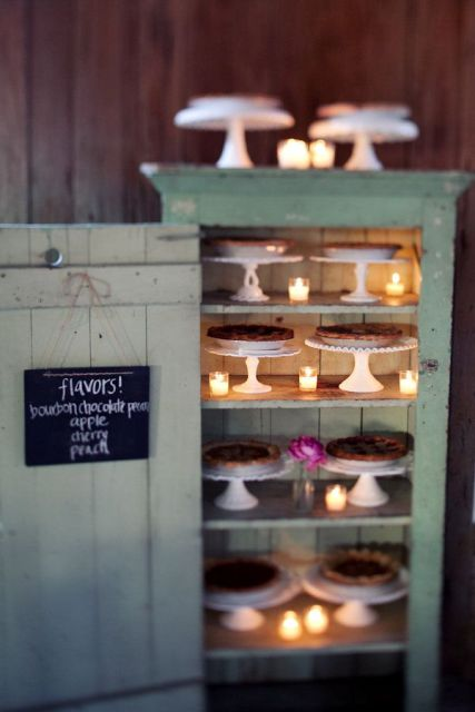 22-Cozy-Pie-Bar-Ideas-For-Your-Wedding14