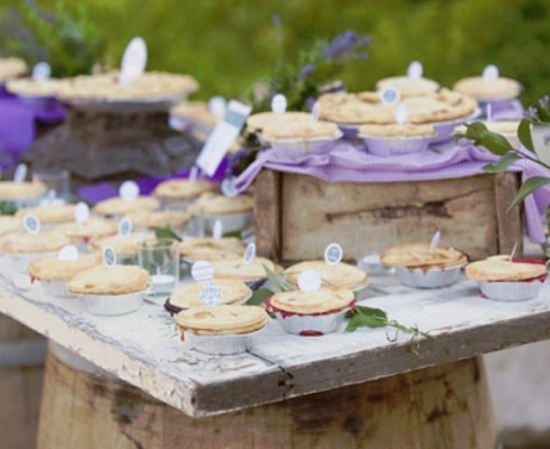 22-Cozy-Pie-Bar-Ideas-For-Your-Wedding19-500x408