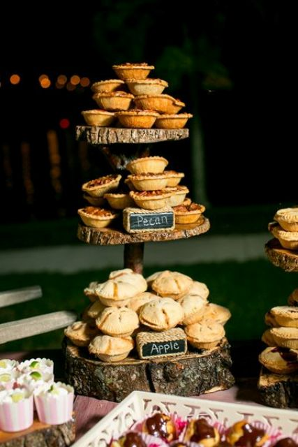 22-Cozy-Pie-Bar-Ideas-For-Your-Wedding3