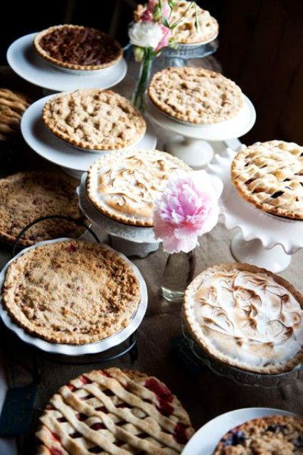 22-Cozy-Pie-Bar-Ideas-For-Your-Wedding4