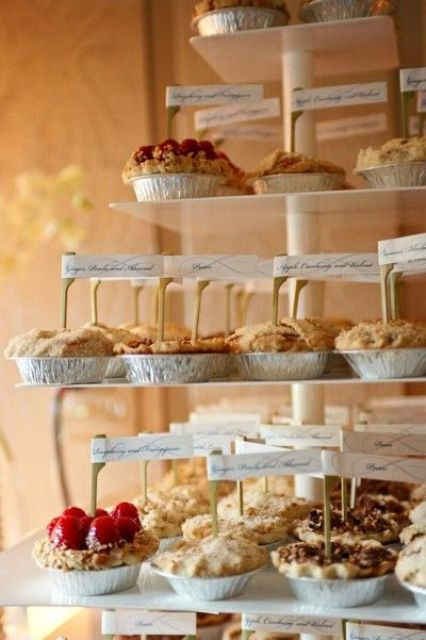 22-Cozy-Pie-Bar-Ideas-For-Your-Wedding6