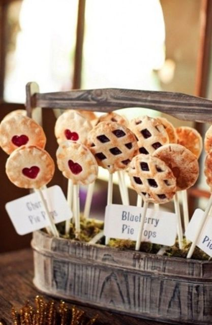 22-Cozy-Pie-Bar-Ideas-For-Your-Wedding7