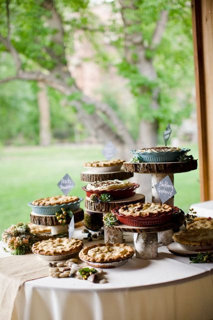 22-Cozy-Pie-Bar-Ideas-For-Your-Wedding9