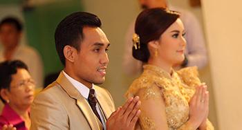 บีบี ภูษิตตา – มุ้ย ธีรศิลป์ นักฟุตบอลไทยทีมชาติไทย แต่งงานชื่นมื่น