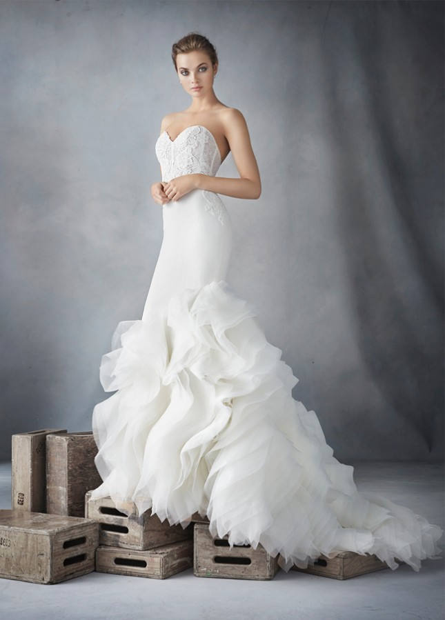 lazaro-bridal-crepe-trumpet-organza-textured-strapless-sweetheart-corseted-chantilly-lace-natural-chapel-3610_zm-645x899