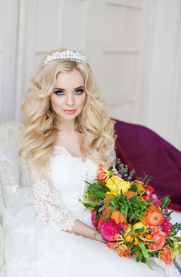 crown-bridal-headpiece-for-down-wedding-hairstyles