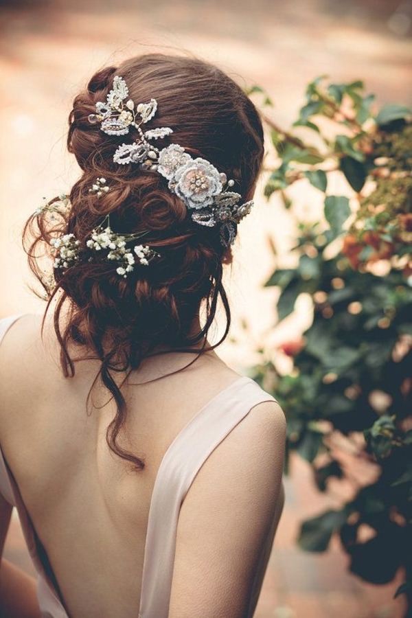 vintage-bridal-headpieces-for-updo-wedding-hairstyles
